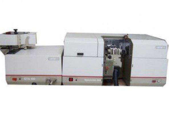 Varian AA SPECTRA 200 HT Atomic Absorption Spectrometer (AAS)