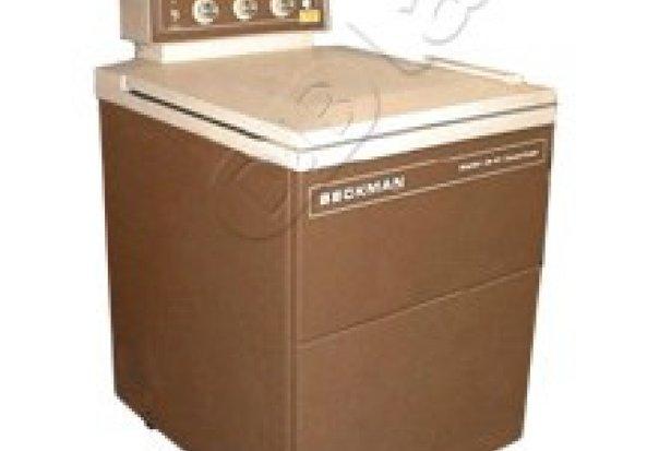 Beckman J2-21 Centrifuge