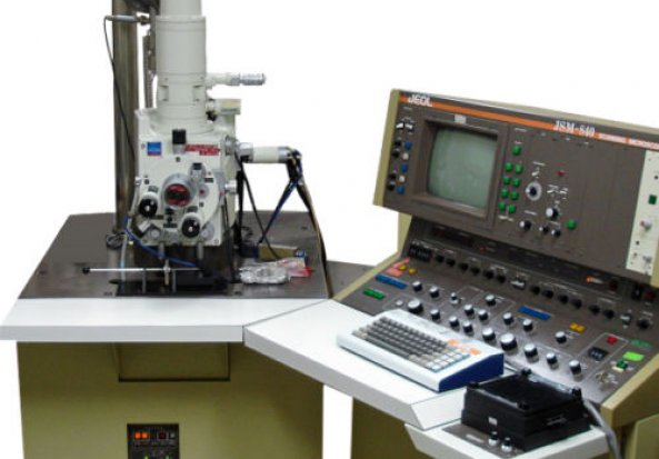 Jeol 840A Scanning Electron Microscope (SEM)