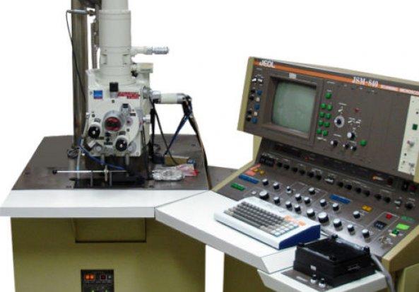 Jeol 840A Scanning Electron Microscope (SEM)