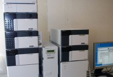 HPLC Shimadzu LC20 and Infors HTMultifors Liquid Chromatograph (LC)